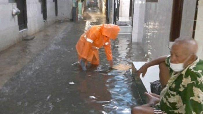 Satu RT di Kembangan Utara Tergenang Banjir Gara-gara Hujan Semalam dan Luapan Kali Angke