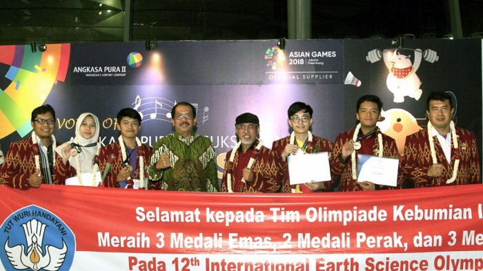 Siswa Indonesia Boyong 3 Emas Lewat Ajang Olimpiade Internasional di Thailand