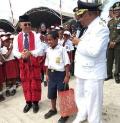 Menpora akan Undang Pahlawan Pemanjat Tiang Bendera dari Atambua Tonton Asian Games di Jakarta