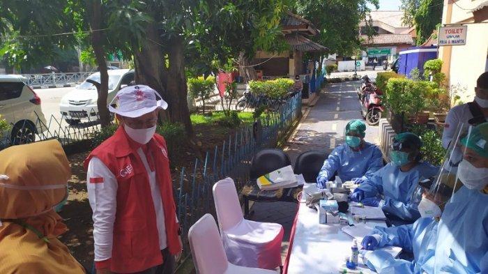 Relawan Indonesia Bersatu Gelar 1.000 Rapid Test di Terminal Kampung Rambutan