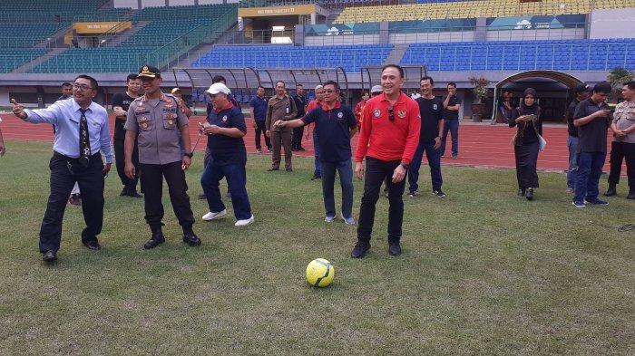 VIDEO: Potensi Jadi Venue Piala Dunia U-20 2021, Ketua PSSI Cek Stadion Patriot Candrabhaga Bekasi