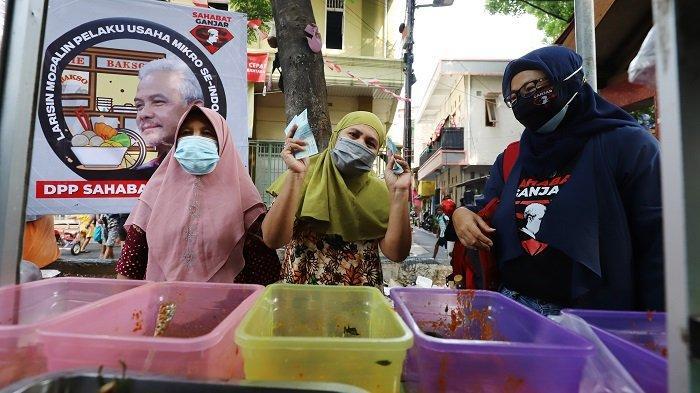 Berlangsung di 51 Kota, Relawan Sahabat Ganjar Borong Habis Produk UMKM Lalu Dibagikan ke Masyarakat