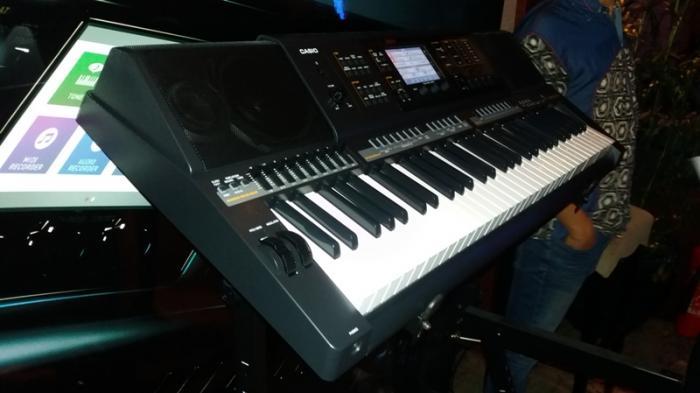 Keyboard Terbaru Casio Untuk Kalangan Awam Warta Kota