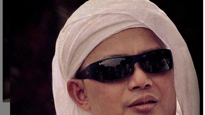 Adik Ustaz Arifin Ilham Kabarkan Kondisi Terakhir Sang Kakak Dirawat di ICU Rumah Sakit Malaysia