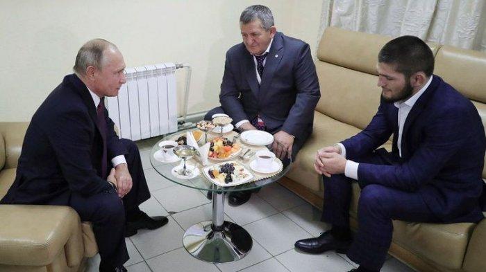 Publik Simpati pada Khabib Diikuti Putin atas Perlakuan Rasis Gregor yang Hina Islam