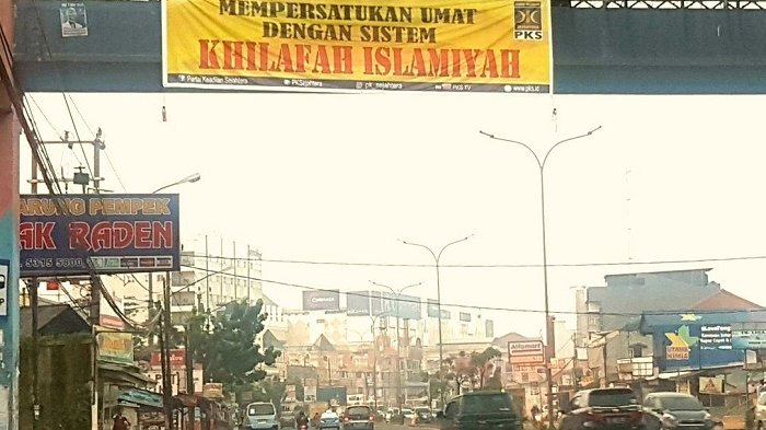 Ketua Fraksi PKS DPRD Tangsel Bantah Pasang Spanduk Khilafah