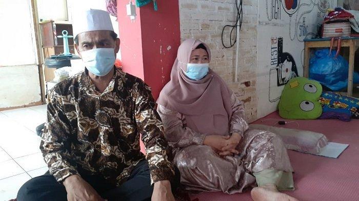 Rumah Dipagar Beton di Tangerang, Kholid Menangis Lihat Cucunya Manjat Pagar Beton Berkawat
