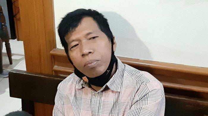 Pelawak Kiwil di Pengadilan Agama Jakarta Selatan setelah menggelar sidang lanjutan perceraiannya dengan Rohimah, Rabu (3/2/2021). Kiwil dan Rohimah sepakat bercerai.