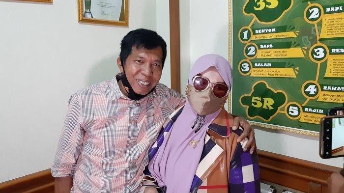 Kiwil dan Rohimah di Pengadilan Agama Jakarta Selatan, Rabu (3/2/2021). Pernikahan Kiwil dan Rohimah diputus cerai oleh Pengadilan Agama Jakarta Selatan, Rabu siang. Rohimah mengaku lega.
