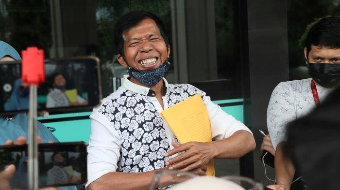 Kiwil setelah sidang cerai dengan Rohimah di Pengadilan Agama Jakarta Selatan, Rabu (10/2/2021). Kiwil dan Rohimah sudah sepakat bercerai saat sidang gugatan cerai digelar di pengadilan pada 3 Februari 2021.