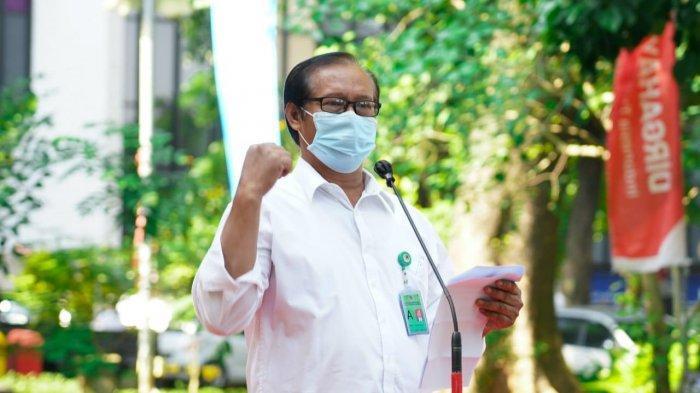 Kepala Biro Umum KLHK, Samidi yang juga selaku Ketua Koperasi Karyawan KLHK, memberikan paparan saat peresmian fasilitas layanan medis untuk test Covid-19 di Kompleks Gedung Manggala Wanabakti, Kementerian Lingkungan Hidup dan Kehutanan (KLHK), Rabu (4/8/2021).