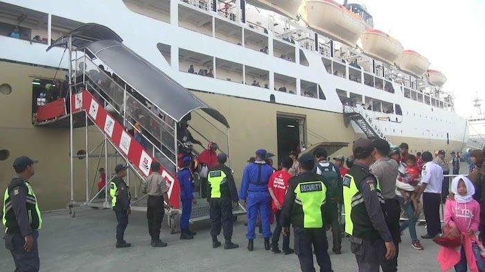 Arus Balik, Ribuan Pemudik KM Dobonsolo Tiba di Pelabuhan Tanjung Priok