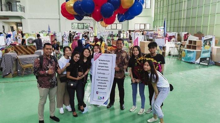 Meriahnya penyelenggaraan acara Kewirausahaan Mahasiswa Indonesia (KMI) Expo 2019. Acara puncak KMI Expo tahun ini akan dilaksanakan tanggal 4-5 Desember 2020 mendatang.