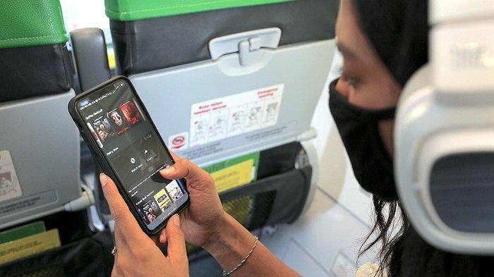 Penumpang pesawat Citilink Indonesia bisa menikmati konten hiburan di Aplikasi GoPlay selama penerbangan.
