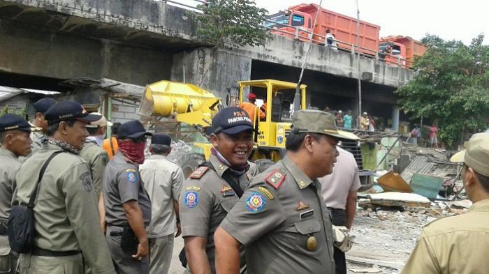 Petugas Tak Temukan Wanita Penghibur di Kolong Jembatan