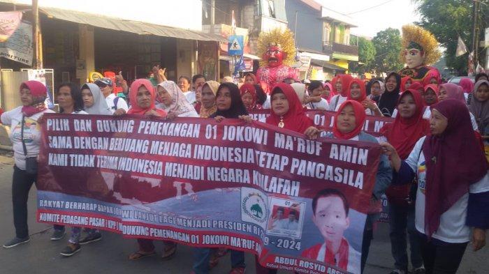 Massa KPP Kampanyekan Jokowi-Ma'ruf Amin  dengan Jalan Sehat di Cakung