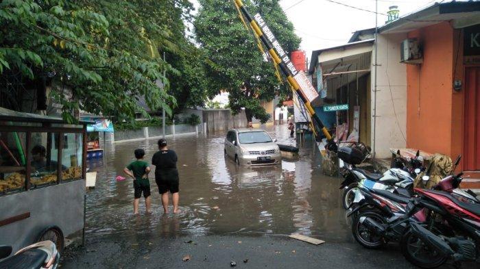 Hujan Sebentar, Sejumlah Wilayah DKI Jakarta Kebanjiran. Berikut Titik Wilayah yang Tergenang