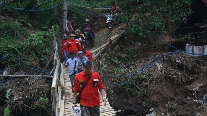 Komunitas Pajero Owners Community (POC) Banten Raya Gelar Baksos di Lokasi Banjir Bandang Lebak