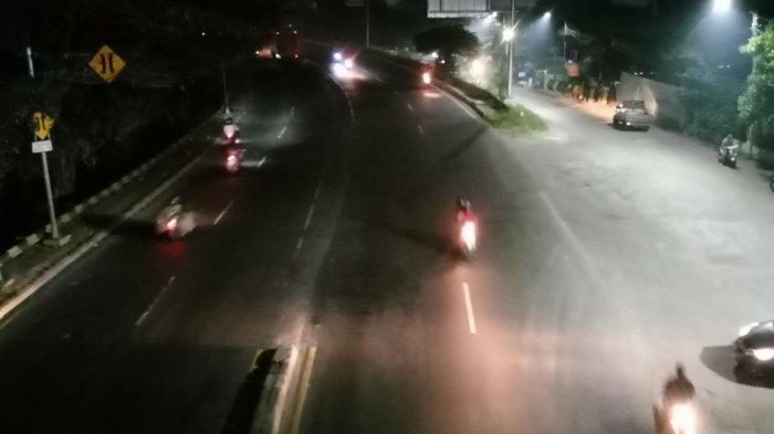 Jalan Daan Mogot KM 23 Tangerang Gelap Selama PPKM, Warga Jadi Cemas Rentan Kecelakaan dan Begal
