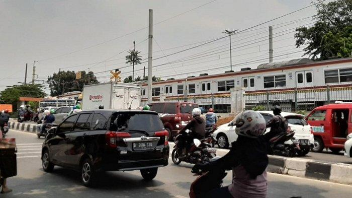 Arus Lalu Lintas Belum Pasti Ditutup Terkait Proyek Pembangunaan Jalan Layang Putaran Arah Poltangan