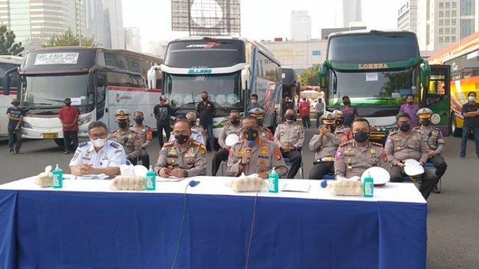 Dianggap Langgar PPKM Darurat, 36 Bus AKAP Dikandangkan Ditlantas Polda Metro