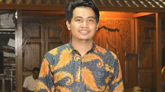 Foto Bersama Politisi PKS, Kepala Sekretariat Bawaslu Kota Depok Diduga Melanggar Netralitas