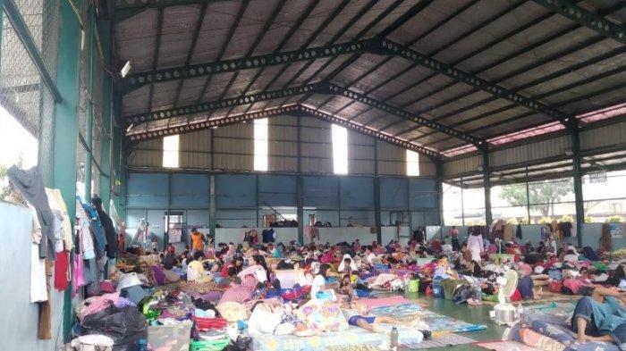 4 Hari Warga Korban Banjir Periuk Tangerang di Pengungsian, Bayi Menangis, Anak-anak Mulai Gatal