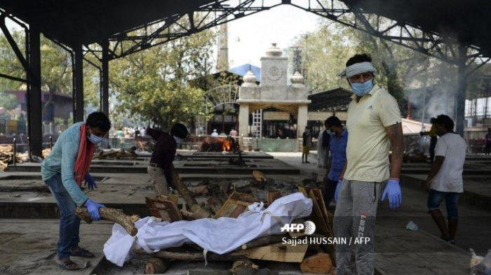 INDIA Kewalahan Kremasi Korban Covid-19, Mayat Dibakar Cara Tradisional Pakai Kayu di Tempat Terbuka