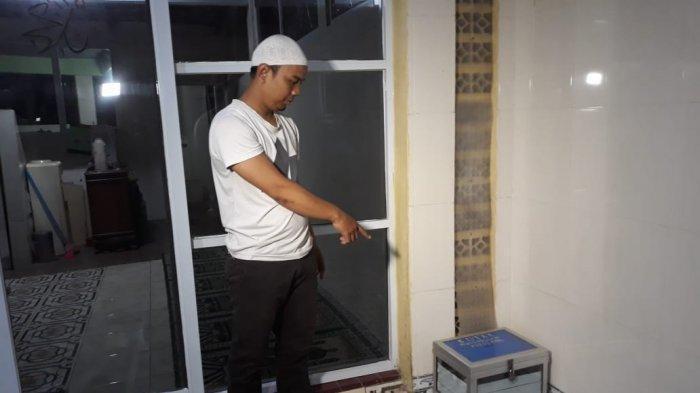 VIDEO: Pencuri Kotak Amal Musala Nurul Amal Jatinegara Terekam CCTV