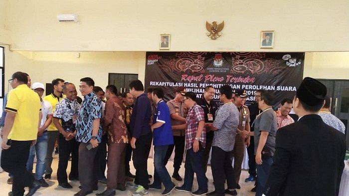 Di Bekasi, Kubu Pendukung Jokowi dan Prabowo Kompak Bersalaman, Sebut Pemilu 2019 Aman dan Kondusif