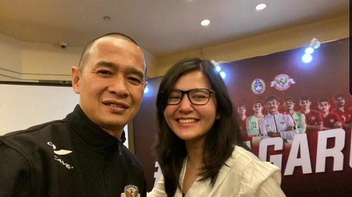 Kurniawan Dwi Yulianto Unggah Foto Bareng Ratu Tisha: Terima Kasih Atas Dedikasi dan Pengorbanan Ibu