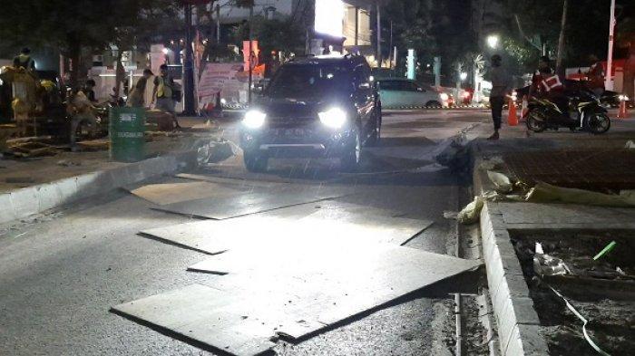 Banyak Pengendara Tidak Mengetahui Pengalihan Arus Lalu Lintas Dilaksanakan di Simpang Kemang