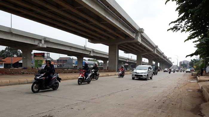 Jalan Raya Kalimalang Lancar, Waspadai Aspal Tak Rata dan Tanah Berserakan