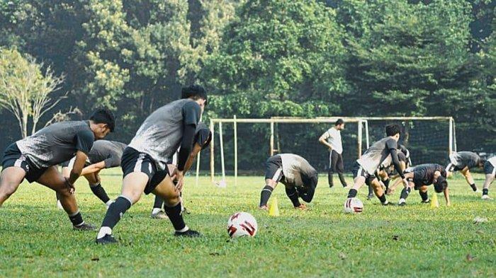 Kas Hartadi Pelatih Dewa United FC Akan Tetap Jalankan Latihan Meski PPKM Darurat Diperpanjang