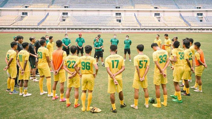 Link Live Streaming Persib vs Persebaya: Coach Robert Rene Alberts Waspadai Pemain Lokal Persebaya