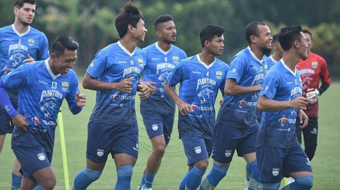 Hari Pertama Bulan Ramadhan Tim Persib Bandung Tetap Latihan Jelang Laga Semifinal Lawan PS Sleman