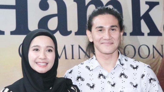 Vino Bastian dan Laudya Cynthia Bella saat dikenalkan ke publik memerankan Buya Hamka dan Sitti Raham di film Buya Hamka di Kantor Falcon Pictures, Jalan Duren Tiga, Pancoran, Jakarta Selatan, Senin (25/3/2019).