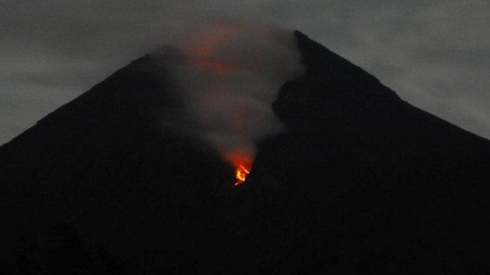 Gunung Merapi Luncurkan Guguran Lava pada Minggu Dini Hari