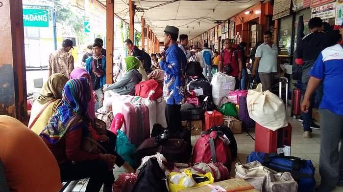 Covid-19 Bikin Tegal Diisolasi, Hanya Satu Bus Jakarta-Tegal yang Beroperasi di Terminal Kalideres