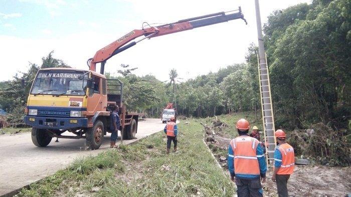 Jembatan Penghubung Desa di Pandeglang Ambruk Akibat Luapan Air Sungai yang Meluap