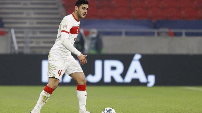 Liverpool Pinjam Ozan Kabak dari Schalke 04 untuk Posisi Bek Tengah, Pakai  Jersey Nomor 19 - Warta Kota