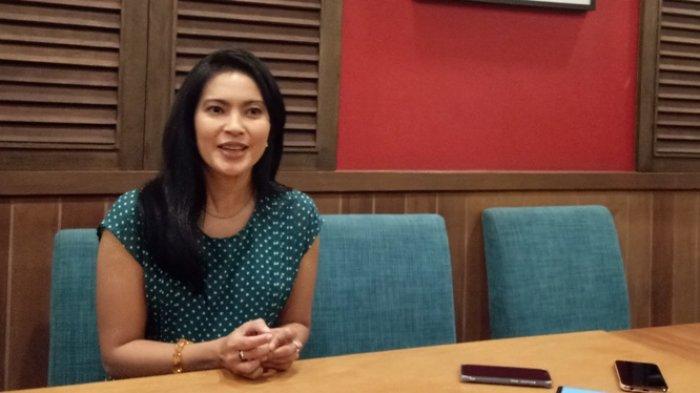 Lola Amaria berbincang di Restoran Nasi Pedes, Jalan Cipete Raya, Jakarta Selatan, Jumat (21/6/2019).