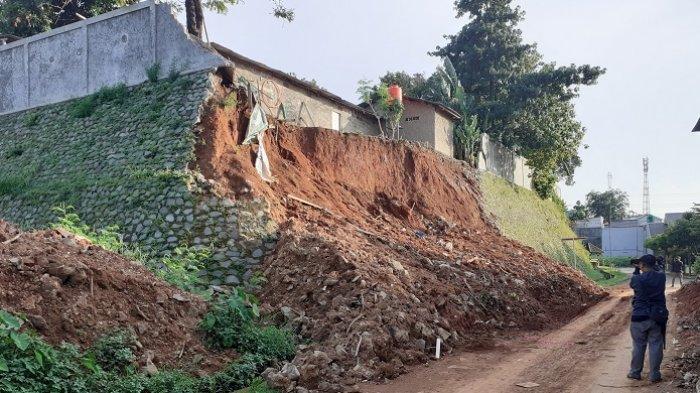 Pemkot Bekasi Mau Survei Dan Menangani Tanah Longsor Perumahan Kemang Pratama 2 Yang Dinilai Lambat Warta Kota