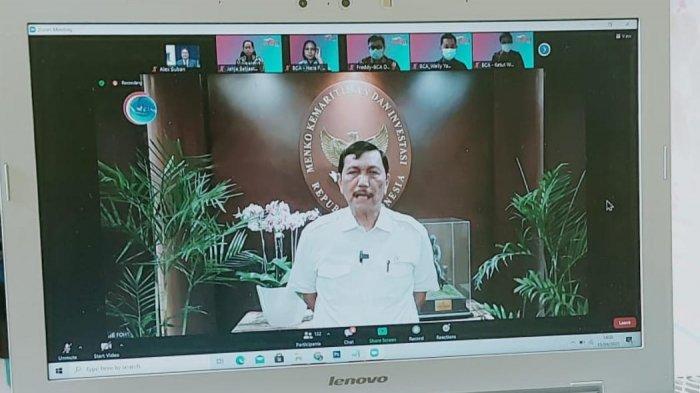 Menteri Koordinator Bidang Kemaritiman Luhut Binsar Pandjaitan memberi sambutan