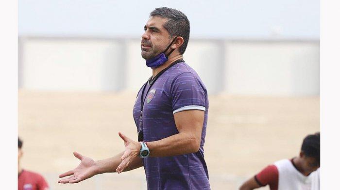 Luis Edmundo, pelatih Persita Tangerang U-20 akan mengevaluasi pemainnya pada bulan Februari