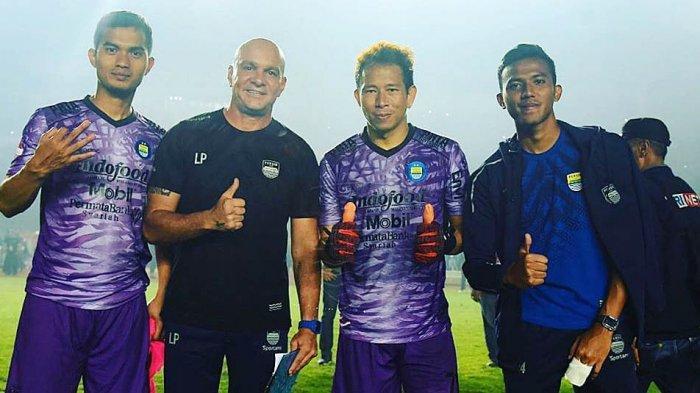 Luizinho Passos Pelatih Kiper Persib Beri Keleluasaan ke I Made Wirawan dkk Saat Latihan Mandiri