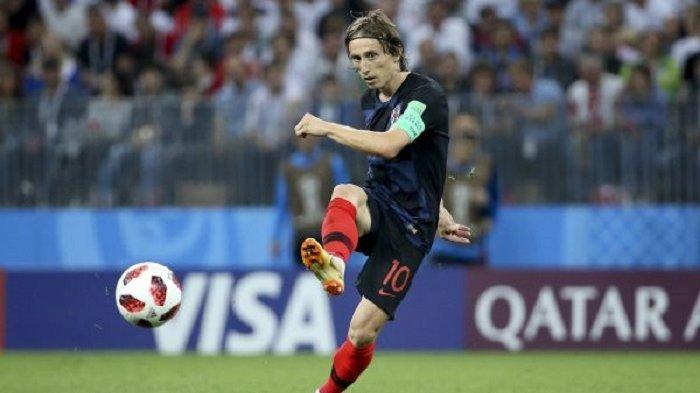 Kaka Sebut Bola Lebih Hidup Saat Digiring Luka Modric