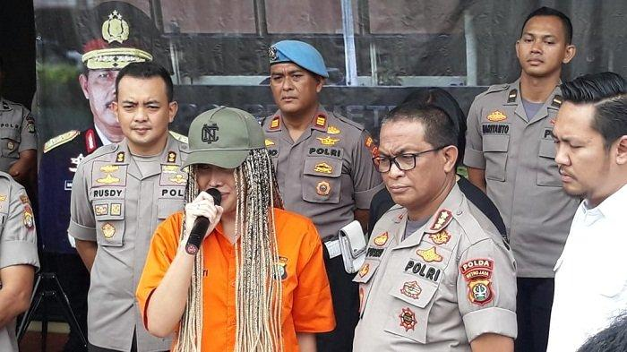 Sudah Tiga Hari Ditahan Polisi, Gaya Rambut Lucinta Luna Berubah