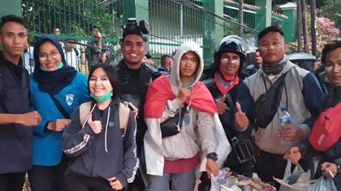 Luthfi Sosok Viral Pembawa Bendera di Tengah Demonstrasi Menjalani Sidang Perdana Banjir Dukungan