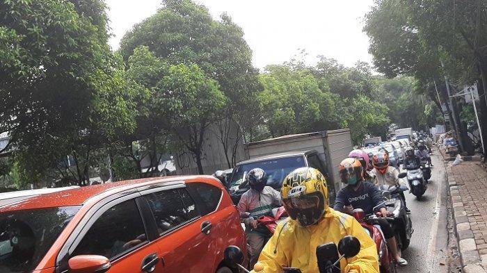 Jelang New Normal, Arus Lalu Lintas Jalan TB Simatupang Jakarta Selatan Macet